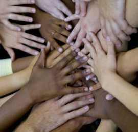 gambar perbedaan kulit hitam dan putih