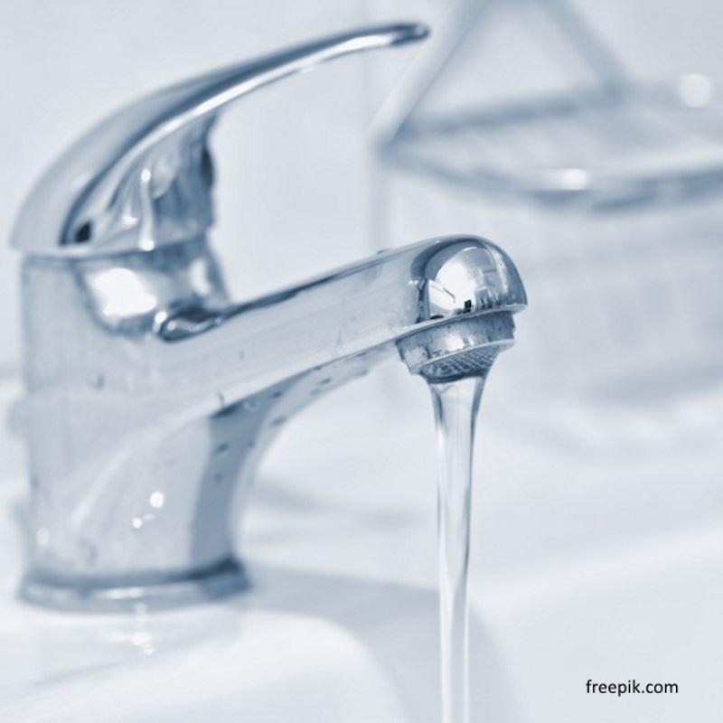 ilustrasi cara mencuci wajah dengan sabun argan